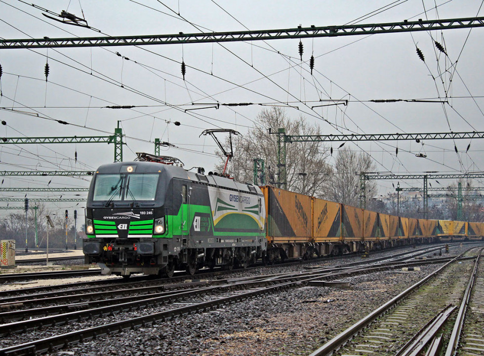 Christmas aid supplies transported to Moldova by train